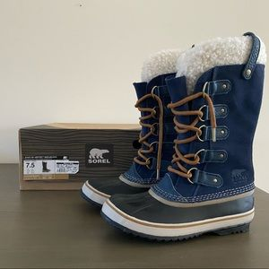 Sorel Joan of Arctic Boots NIB HTF Navy Blue